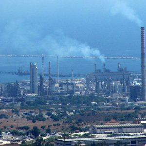 Inquinamento Sicilia: sequestrati impianti Petrolchimico di Siracusa