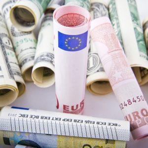 Riforma fiscale Usa al traguardo, l'Europa guarda al voto catalano