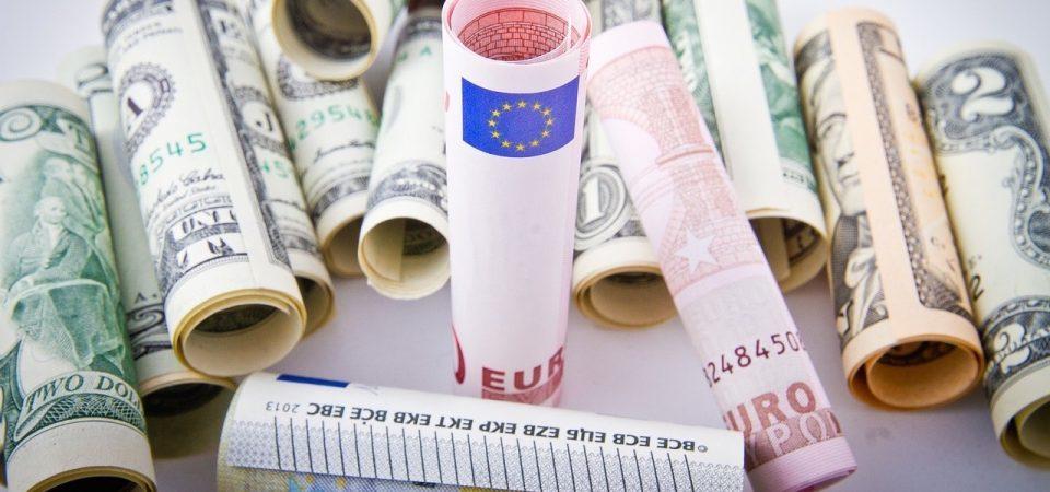 Fed verso il rialzo dei tassi, petrolio ai massimi, occhio al Def