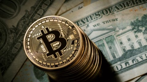 Bitcoin da record: superati i 4.000 dollari