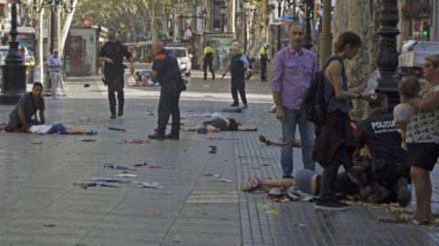 Barcellona, il terrorismo insanguina le Ramblas: decine di morti e feriti