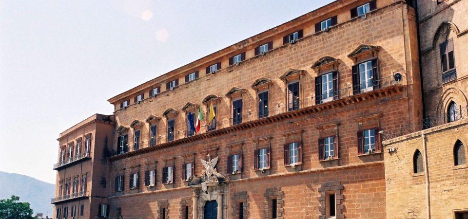 Elezioni Sicilia: testa a testa tra centrodestra e M5s