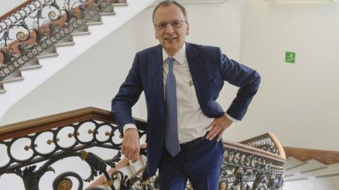 """De Felice (Intesa): """"Si respira fiducia, la ripresa c'è e la Borsa può decollare"""""""