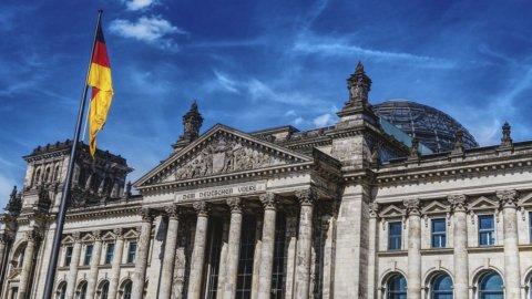 Il nuovo governo Merkel dà sprint all'euro e alle Borse, Fca sfiora i 20 euro