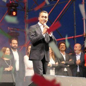M5S, primarie-farsa: Di Maio leader, 30mila sì