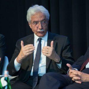 Banche alla svolta: le ricette di Padoan, di Bankitalia e dei banchieri