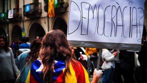 Elezioni Catalogna: indipendentisti e unionisti allo scontro finale