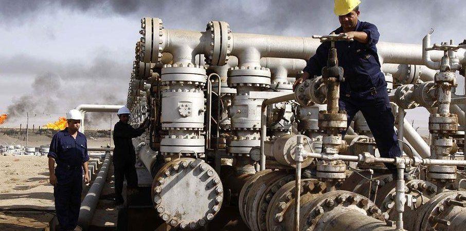 Petrolio alle stelle ma salgono anche oro e dollaro