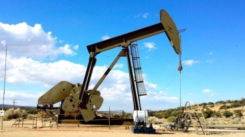 Il petrolio rimbalza sui venti di guerra in Siria