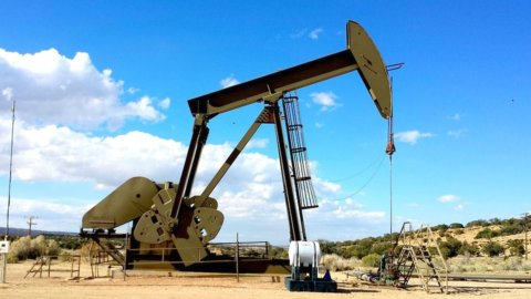 Il petrolio mette in tensione le Borse. Atlantia di nuovo Ko