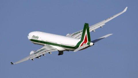 Alitalia: l'intesa si avvicina, ma i soldi sono pochi