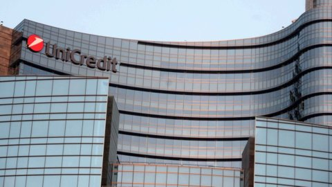 Unicredit vende Npl per 730 milioni
