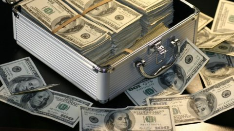 Le banche centrali sostengono le Borse e la Fed riversa nuova liquidità