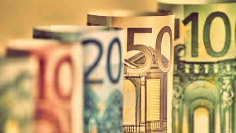 Def in arrivo: spread giù, banche e Borsa in rialzo
