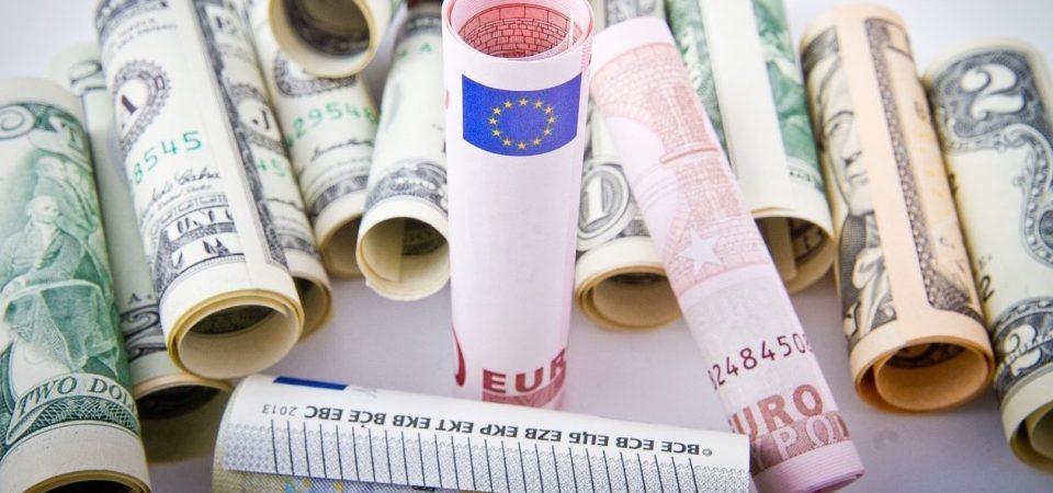 Bond in dollari: l'emissione è un successo